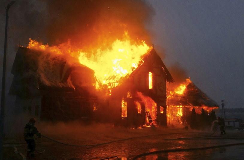 Pożar restauracji w Egiertowie /Państwowa Straż Pożarna /PAP