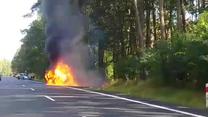 Pożar samochodu na drodze