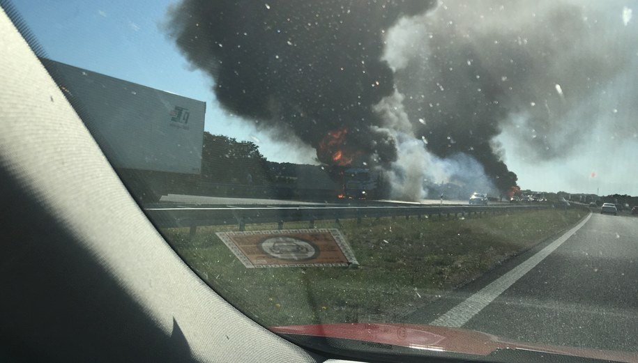 Pożar tirów na autostradzie /Gorąca Linia RMF FM /Gorąca Linia RMF FM