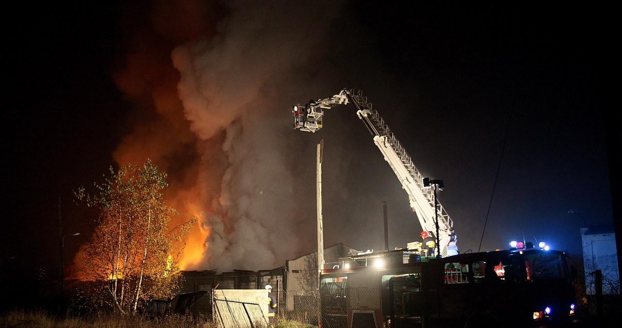 Pożar w czempińskiej hali z odpadami