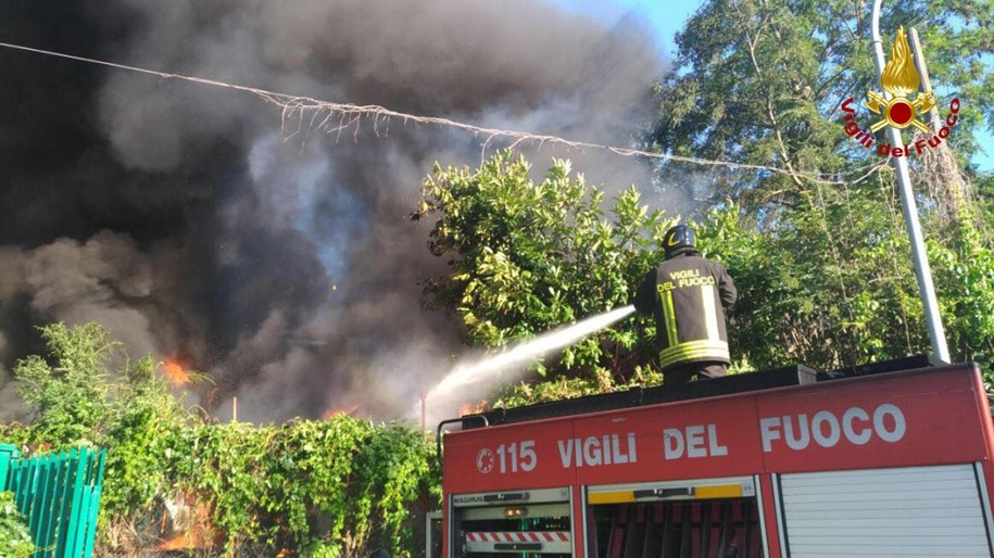 Pożar w Rzymie /VIGILI DEL FUOCO PRESS OFFICE HANDOUT /PAP/EPA