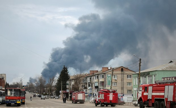 Pożar w składzie amunicji na Ukrainie. Wciąż słychać wybuchy