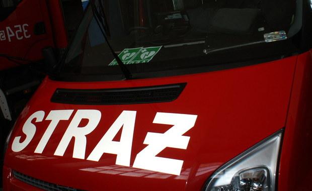 Pożar w zakładach stolarskich koło Świecia. 9 osób rannych