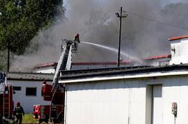 Pożar zakładów produkcyjnych w Chorzowie