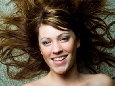 Poznaj kilka domowych sposobów na piękne i zdrowe włosy  /© Panthermedia