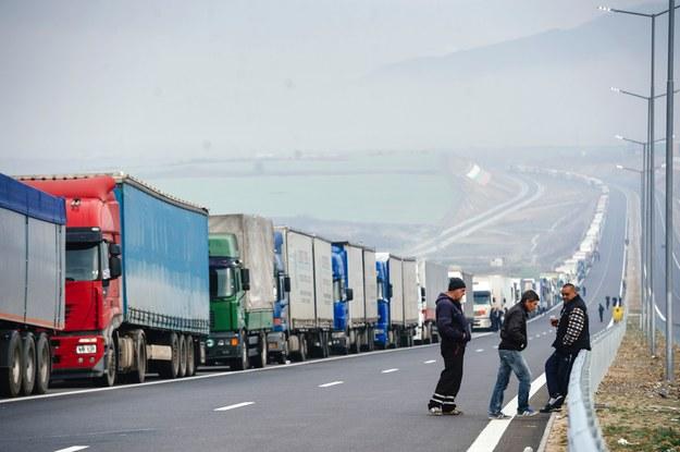 Praca kierowców będzie dokładniej monitorowana /AFP