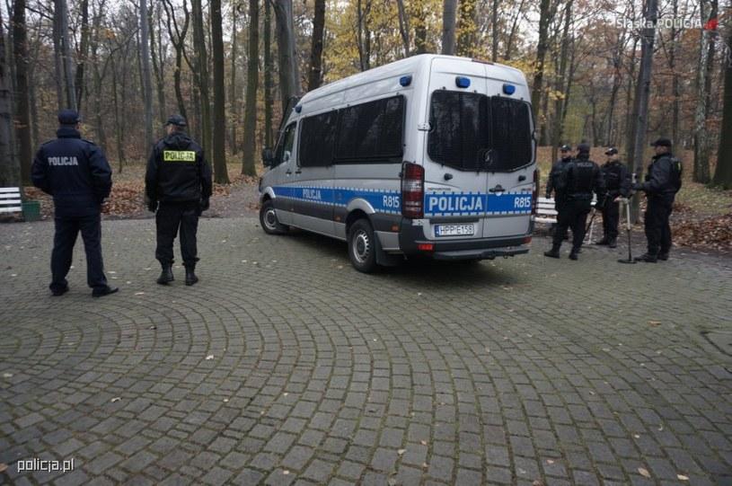 Praca policji na miejscu zdarzenia /Policja