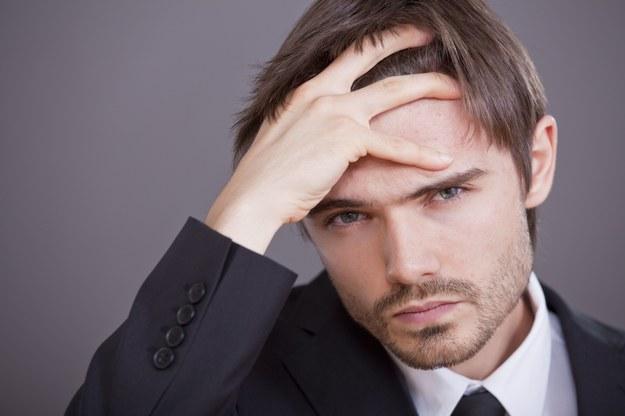 Praca szkodzi zdrowiu? /123RF/PICSEL