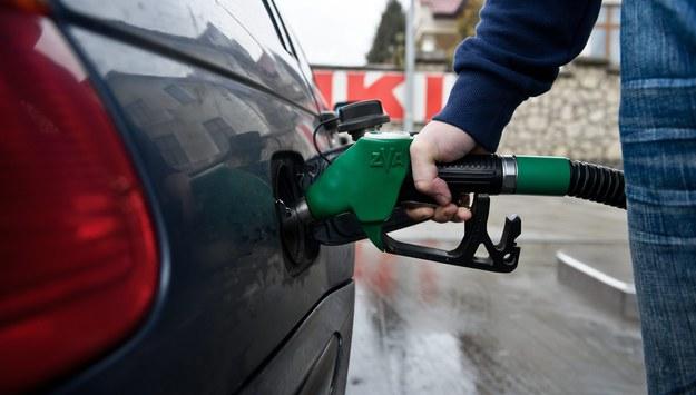Prace nad nowym podatkiem paliwowym idą szybko