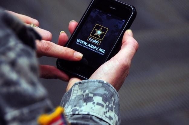 Prace nad tajnym smartfonem dla agentów mają ruszyć jeszcze w tym roku /Gadżetomania.pl