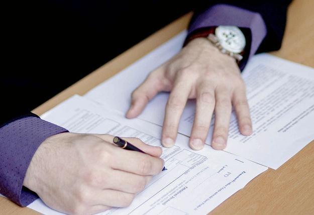 Pracodawca może wymagać, by pracownik dostarczył przetłumaczony dokument /© Bauer