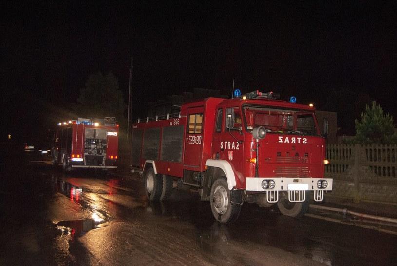 Pracowita noc Warmińsko-Mazurskich strażaków. Gasili dwa duże pożary /Grzegorz Michałowski   (PAP) /PAP