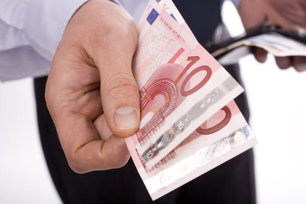 Pracownicy na Zachodzie zarabiają więcej niż w Polsce /© Panthermedia