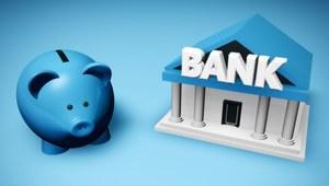Pracownik może, ale nie musi, wyrazić zgody na to, żeby jego pensja trafiała na rachunek bankowy