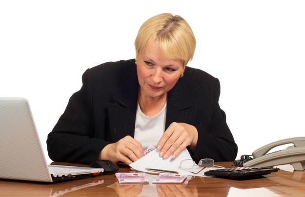 Pracownika można ukarać karą nie wyższą od trzymiesięcznego wynagrodzenia /123RF/PICSEL