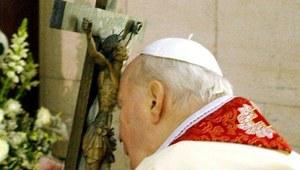 Prasa: Dokumentacja ws. cudu Jana Pawła II już w Watykanie