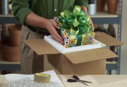 Prawidłowe spakowanie (i zabezpieczenie) prezentu - ważny element całej wysyłki /materiały prasowe