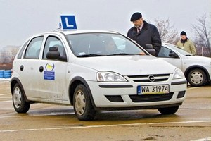 Prawo jazdy dla 16-latków i zielony listek