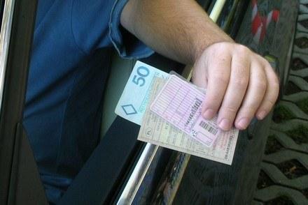 Prawo jazdy i dowód rejestracyjny będą droższe /INTERIA.PL