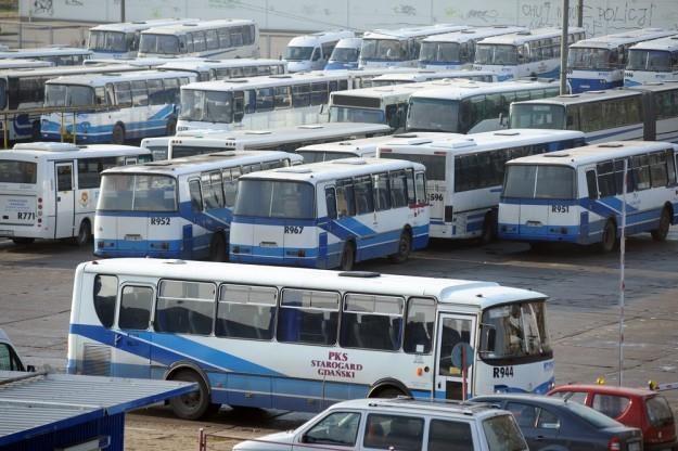 Prawo jazdy kategorii D pozwala na jaztę autobusem. Ale pustym! / Fot: Wojciech Stróżyk /Reporter
