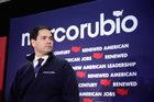 Prawybory w USA: New Hampshire głosuje. Trudne chwile Marco Rubio