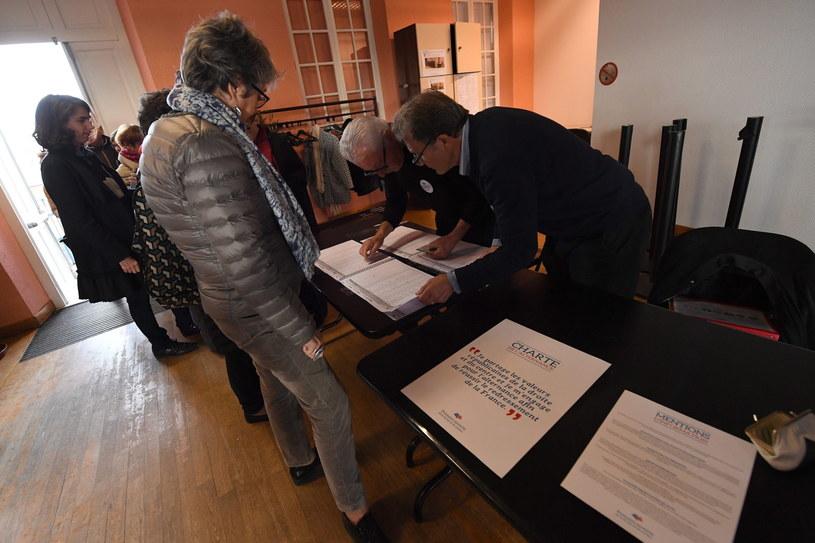 Prawybory we Francji /CAROLINE BLUMBERG /PAP/EPA