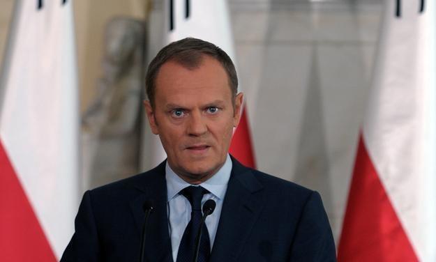 Premier Donald Tusk będzie pierwszą osobą, która otrzyma polski raport /AFP