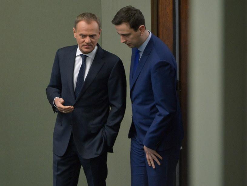 Premier Donald Tusk i minister pracy i polityki społecznej Władysław Kosiniak-Kamysz. /Radek Pietruszka /PAP