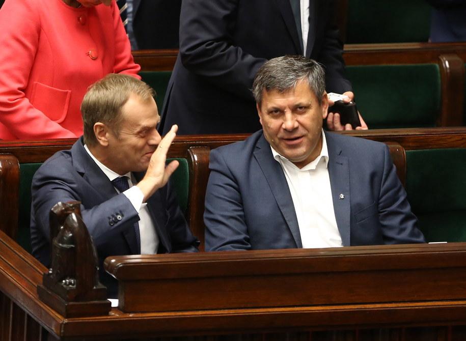 Premier Donald Tusk i wicepremier i minister gospodarki Janusz Piechociński /Tomasz Gzell /PAP