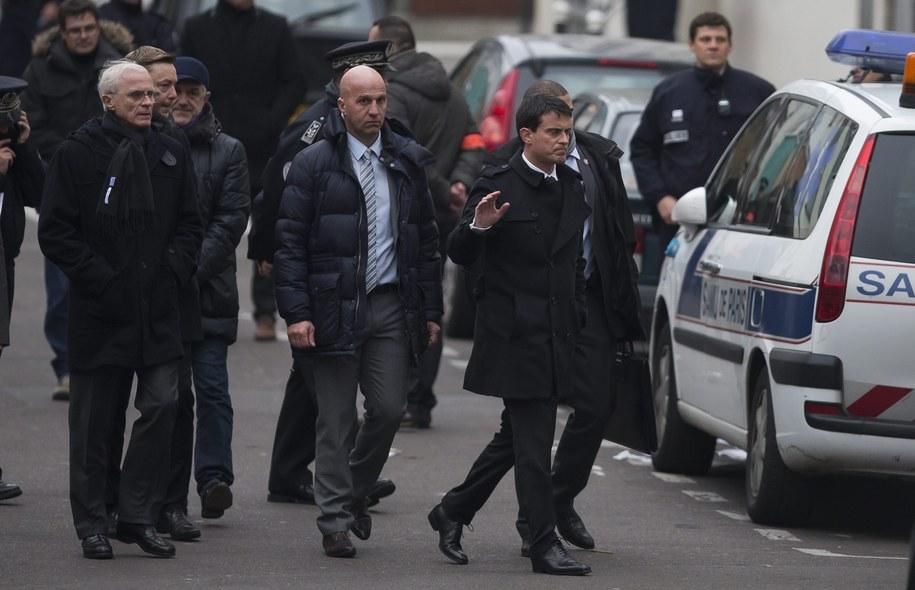 Premier Manuel Valls na miejscu zamachu //IAN LANGSDON /PAP/EPA