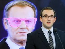 Premier w różowych okularach