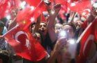 Premier Włoch: Turcja zamknęła swą przyszłość do więzienia