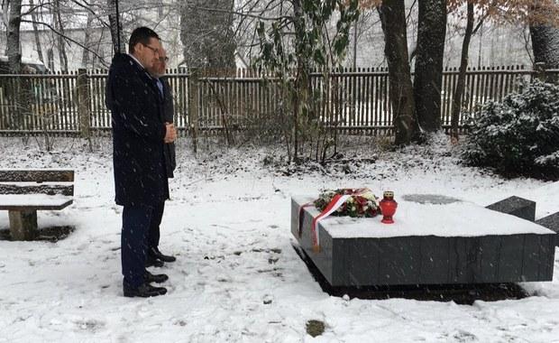 Premier złożył kwiaty przy grobach żołnierzy Brygady Świętokrzyskiej NSZ