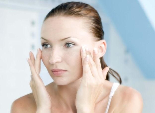 Preparaty nakładaj delikatnie - bez naciągania skóry