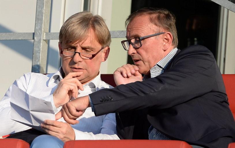 Prezes Korony Krzysztof Zając (z lewej) i Dieter Burdenski nowy właściciel klubu /Fot. Piotr Polak /PAP