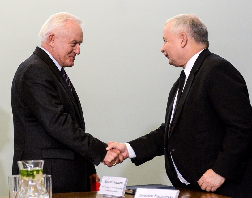 Prezes PiS Jarosław Kaczyński i lider SLD Leszek Miller podczas spotkania dotyczącego sytuacji powstałej po wyborach samorządowych i problemów w ogłaszaniu ich wyników /Jakub Kamiński   /PAP