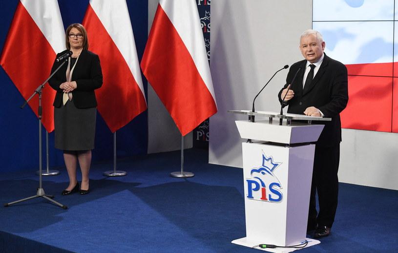 Prezes PiS na konferencji prasowej /Radek Pietruszka /PAP