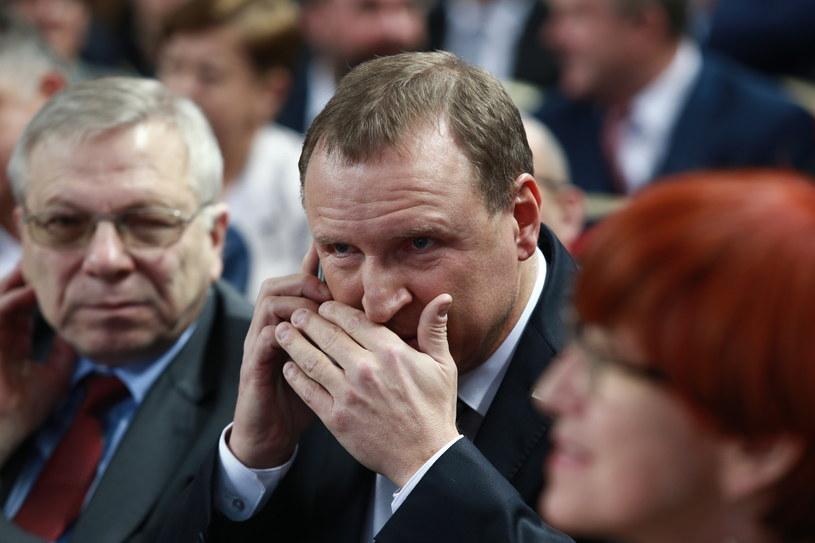 Prezes TVP Jacek Kurski (C) /Marcin Bednarski /PAP