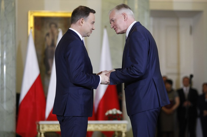 Prezydent Andrzej Duda i minister Jarosław Gowin /Stefan Maszewsk /Reporter