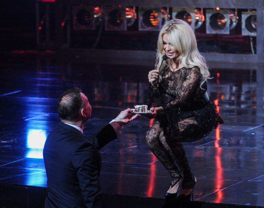 Prezydent Andrzej Duda i piosenkarka Dorota Rabczewska podczas gali z okazji 25-lecia Super Expressu /Marcin Obara /PAP