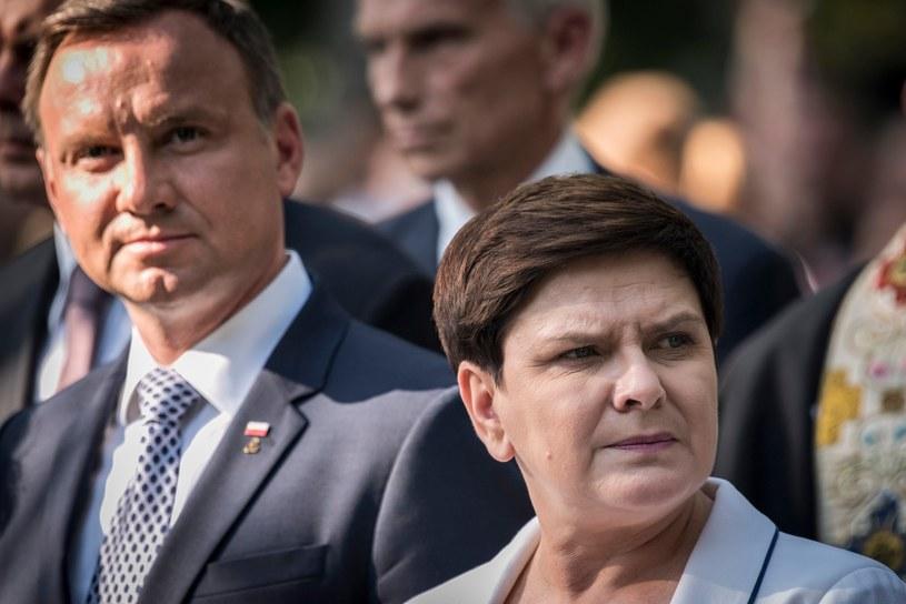Prezydent Andrzej Duda i premier Beata Szydło /Jacek Domiński /Reporter