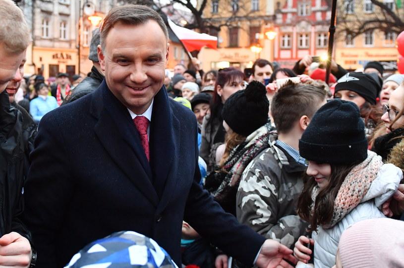 Prezydent Andrzej Duda podczas spotkania z mieszkańcami Kamiennej Góry / Maciej Kulczyński    /PAP