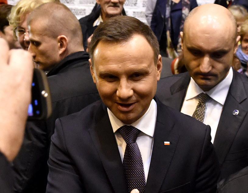Prezydent Andrzej Duda podczas wczorajszego spotkania z mieszkańcami Zabrza /Jacek Bednarczyk /PAP