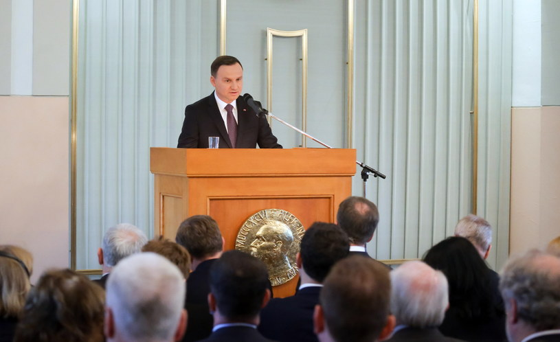 Prezydent Andrzej Duda podczas wystąpienia w Norweskim Instytucie Noblowskim w Oslo /Paweł Supernak /PAP