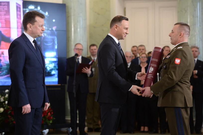 Prezydent Andrzej Duda wręczył nominacje generalskie /Jacek Turczyk /PAP
