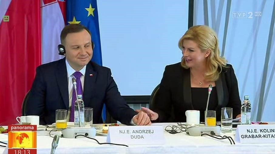 Prezydent Andrzej Duda z prezydent Chorwacji Kolindą Grabar-Kitarović. /TVP 2 /Zrzut ekranu