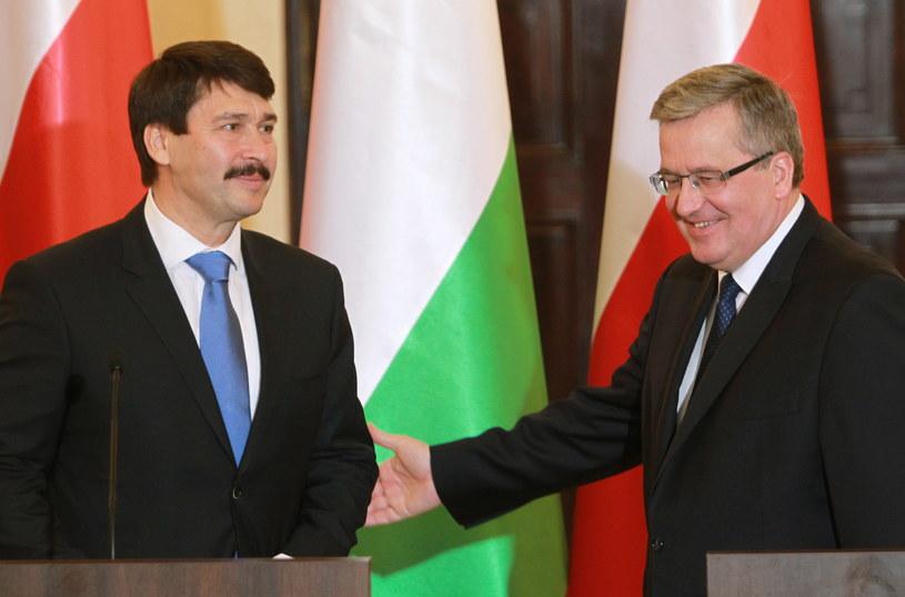 Prezydent Bronisław Komorowski i prezydent Węgier Janos Ader /Radek Pietruszka /PAP