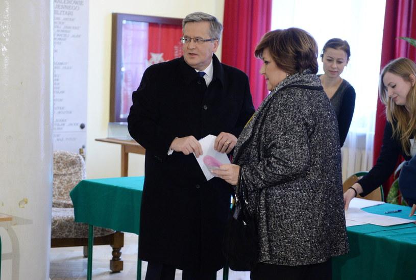 Prezydent Bronisław Komorowski wraz z małżonką Anną /Jacek Turczyk /PAP