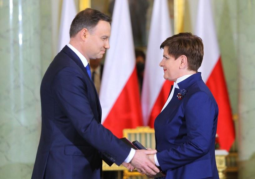 Prezydent Duda i premier Beata Szydło /Stanisław Kowalczuk /East News