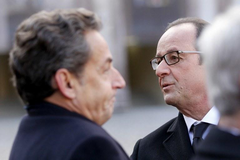 Prezydent Francji Francois Hollande (po prawej) i były prezydent Nicolas Sarkozy /YOAN VALAT / POOL / AFP /AFP